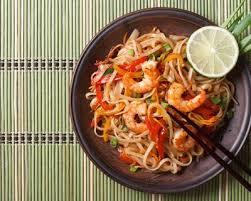comment cuisiner des nouilles recette nouilles sautées aux crevettes