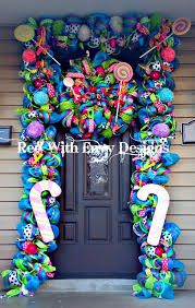 save a lot of money u0026 diy your christmas front door with these 14