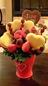 edible arrangements perfect for u0027bachelor u0027 valentine u0027s day or