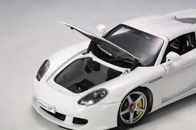 porsche white white porsche carrera gt autoart au78045 scale 1 18 78045 eztoys