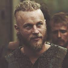 what hairstyle ragnar lothbrok ragnar lothbrok to the set of season 1 vikings ragnar