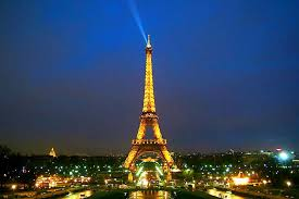 eiffel tower christmas lights eiffel tower christmas a photo from ile de france north trekearth