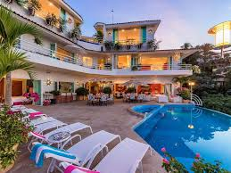 Images Of Houses That Are 2 459 Square Feet Casa Yvonneka 20 000 Feet Of Luxury 3 Homeaway Alta Vista