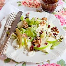apple cranberry salad with balsamic vinaigrette