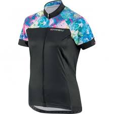 sale cycling clothing clearance bike clothing at triathletesports