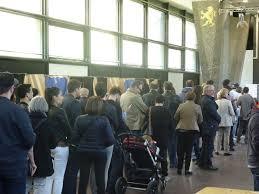 bureau de vote tours présidentielle 28 28 une participation stable dans le rhône