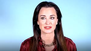 kyle richards needs to cut her hair watch kyle richards has the best valentine s day gift ideas the