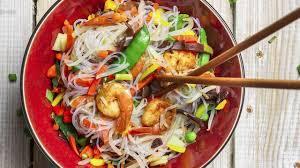 cuisiner des pates chinoises recettes aux nouilles chinoises l express styles
