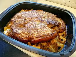 cuisiner rouelle de porc rouelle de porc à la moutarde la recette facile par toqués 2 cuisine