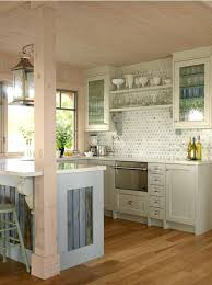 Kitchen Designs For Small Houses by Best 25 Small Cottage Kitchen Ideas On Pinterest Cozy Kitchen