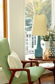 wintry blue white holiday decorating ideas dans le lakehouse