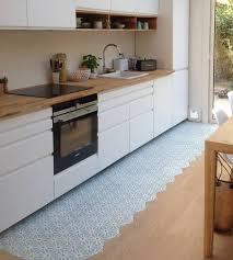 cuisine ikea blanc réalisations une cuisine aérienne baignée de lumière bahya