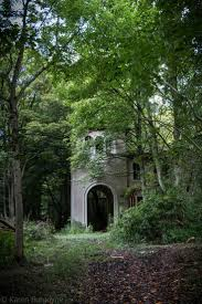 517 best abandoned mansions images on pinterest abandoned places