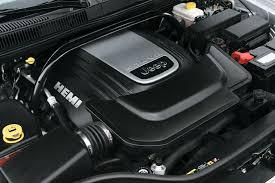 jeep 5 7 hemi 2005 jeep grand 5 7l v8 hemi engine picture pic image