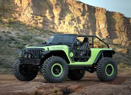 jeep gladiator lifted jeep reveals hellcat powered wrangler and other crazy concepts