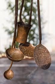 ustensiles de cuisine en cuivre vieux ustensiles de cuisine en cuivre photographie isaac74
