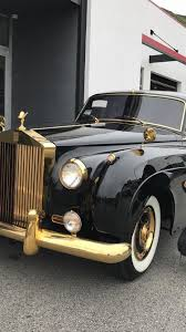 rolls royce vintage artist alec monopoly picks up an old rolls royce upscalehype