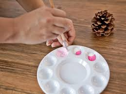 how to make ombre painted pinecone ornaments hgtv