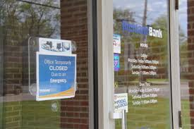 banks open on friday after thanksgiving update richland bank travelodge robbed within hours of each