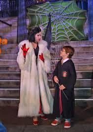 working at spirit halloween the complete guide to disneyland events in 2017