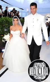 Kim Kardashian Wedding Ring by Kim Kardashian U0027s Engagement Ring From Kris Humphries Auctioned Off