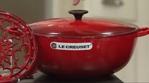 le creuset heritage 7 5qt cast iron chef u0027s oven with trivet on qvc