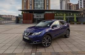 qashqai nissan 2014 new nissan qashqai is star of the screen with two rave video