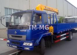 xcmg 4t mobile telescopic boom truck mounted crane with 10m