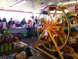 liquor stores open on thanksgiving mn minnesota u0027s largest candy store the big yellow barn