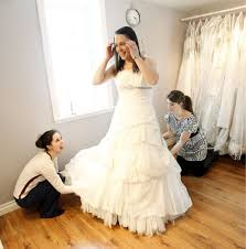 wedding dress rental toronto should you rent your wedding dress toronto