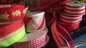 patterned ribbon hints for christmas decorating with patterned ribbons