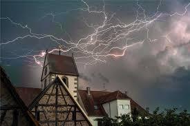 Baden Blitz Zwei Experten Erklären Wie Man Sich Und Sein Haus Bei Blitz Und