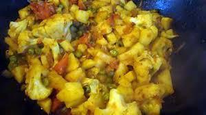 comment cuisiner chou fleur recette de chou fleur aux pommes de terre et aux petits pois plat