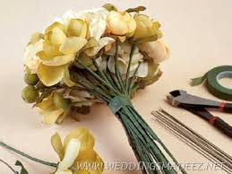 how to make wedding bouquet how to make simple wedding bouquets weddings made easy site