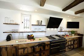 cuisine vieux bois luberon création cuisine industrielle