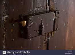 main door lock door main entrance main door front door old aged brown