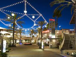 the cool kid s guide to surviving black friday at la oc malls