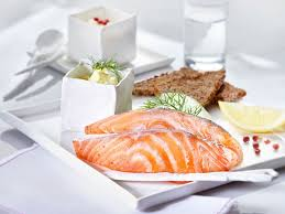 cuisiner pav de saumon poele pavé de saumon à la poêle recettes femme actuelle