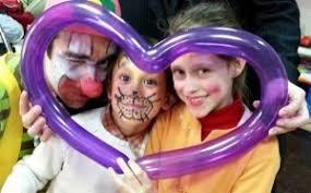 rent a clown for birthday party hire a clown for kids birthday aeiou kids club london