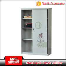 Best Almirah Designs For Bedroom by Steel Almirah Designs For Bedroom Steel Almirah Designs For