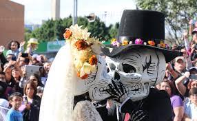halloween in mexico dia de muertos parade in mexico city latin american vc