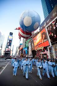 tim burton balloon b boy debuts at macy s thanksgiving day