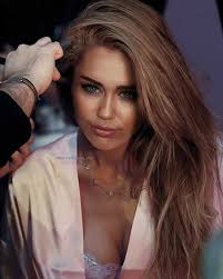 what is the name of miley cryus hair cut mileycyrus m i l e y c y r u s pinterest miley cyrus makeup