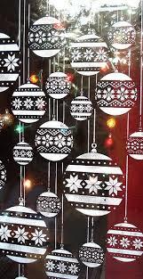 Diy Christmas Window Decorations Pinterest by Best 25 Christmas Window Stickers Ideas On Pinterest Window