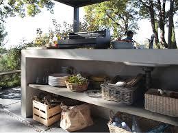 cuisines ext駻ieures taillée dans la et minimaliste cette cuisine extérieure
