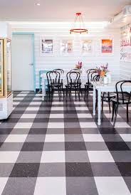 Vinyl Kitchen Flooring by Best 25 Linoleum Flooring Ideas On Pinterest Vinyl Flooring