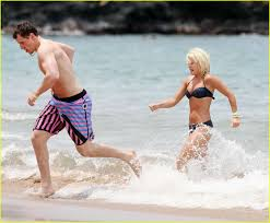 elisha cuthbert takes a dion dip photo 1113331 dion phaneuf