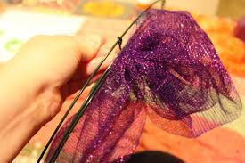How To Make Halloween Mesh Wreaths by How To Make A Halloween Mesh Wreath Halloween Craft Tutorial