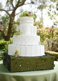 love birds and buttercream texture wedding cake shabby chic www