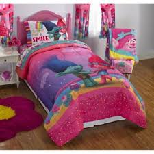 Poppy Bedding Amazon Com Dreamworks Trolls Show Me A Smile Reversible Twin Full